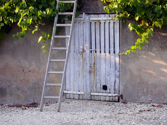 Latent Ladders: Storing Ladders Creatively, How to store ladders?